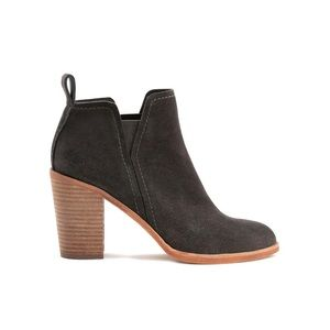 NWOT Dolce Vita Simone Bootie in Anthracite